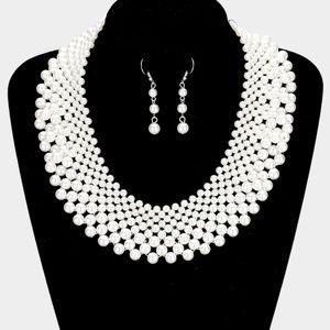Elegant Pearl Bib Necklace